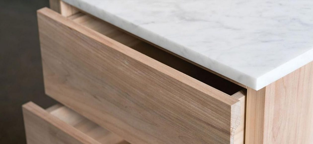 The-Butler_David-Chipperfield_e15-furniture-makers_American-willow_Wolfram-Scheible_Making_Detail-(1)_carousel_preview