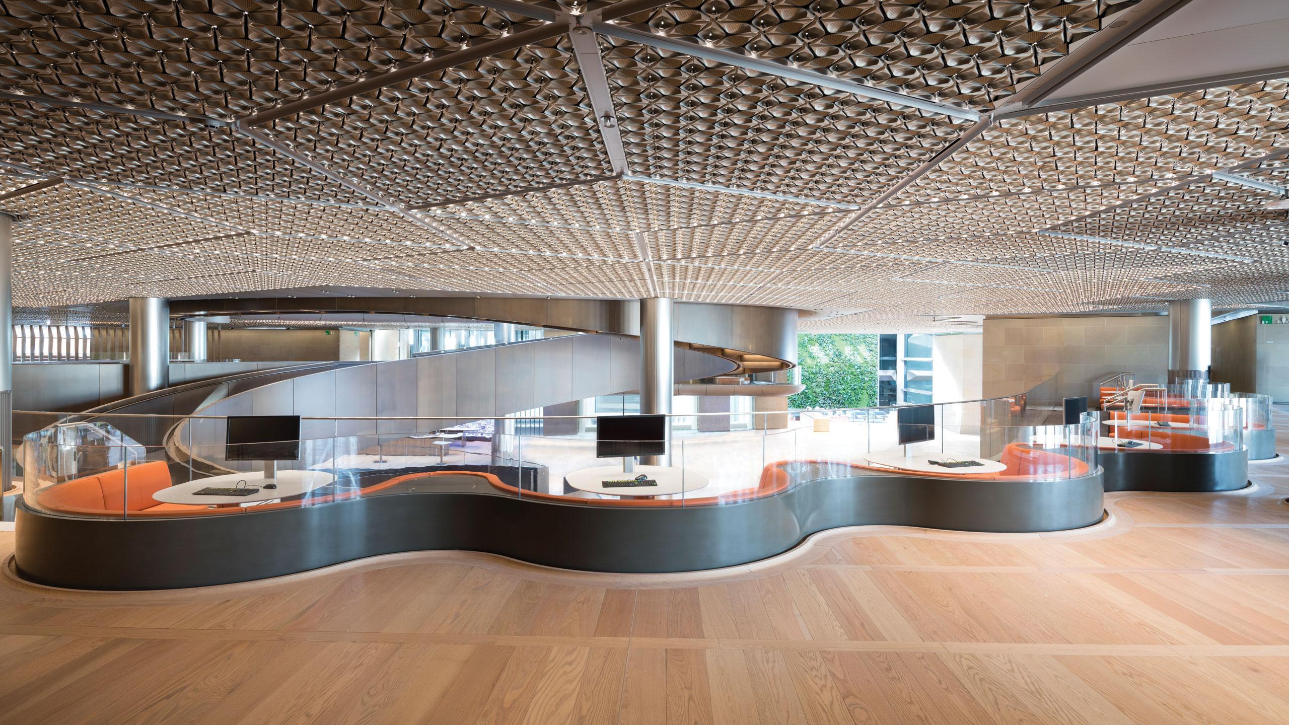 Bloomberg-EU-HQ_red-oak-carousel_image-3_0